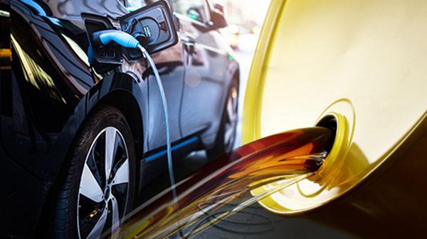 Oil prices push India EV plan