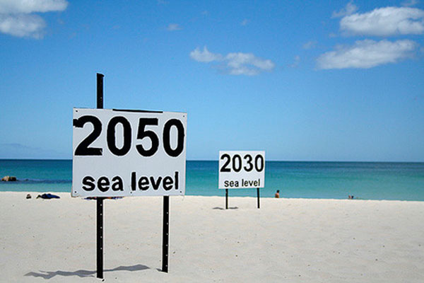 Sea level at record high
