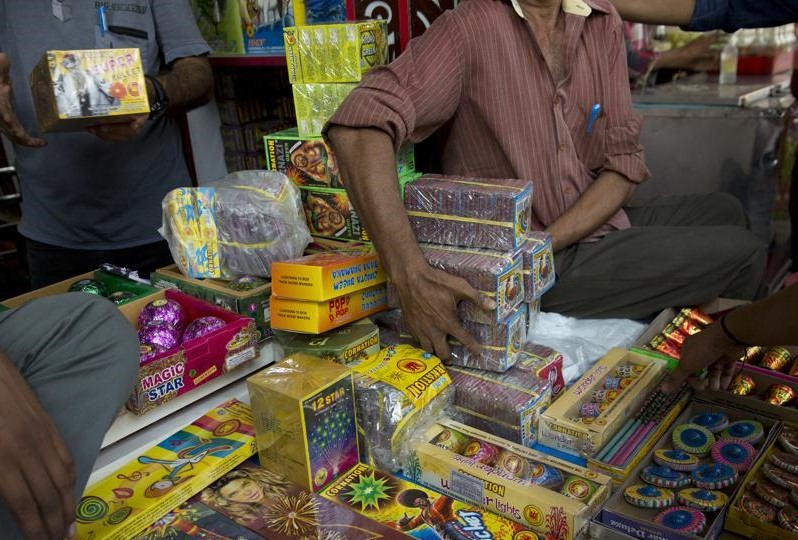 Ahead of Diwali, firecracker bans and U-turns
