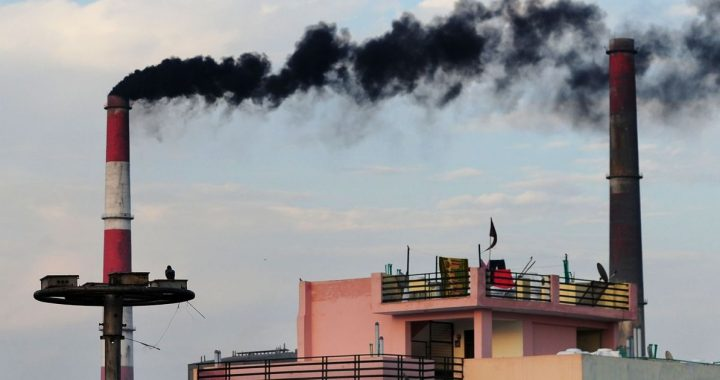 Coal plants around Delhi caught producing power illegally, without retrofitting equipment