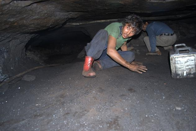 Rat hole mining for coal has the poor risking their lives to earn a living