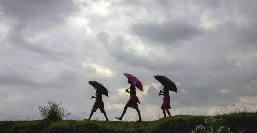 India's moody monsoon refuses to retreat