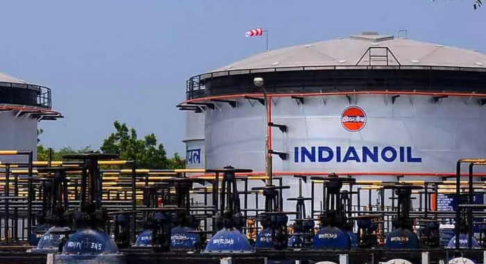 """Indian Oil to invest $13 billion in expanding operations, says """"fossil fuels are here to stay"""""""