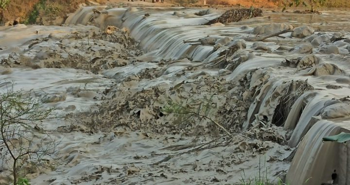 Reliance Power ash dyke breaches in Singrauli